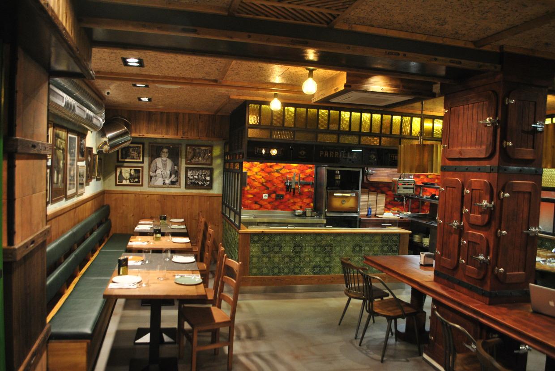 Sidrería El Ferroviario - fotos del restaurante en la calle ...