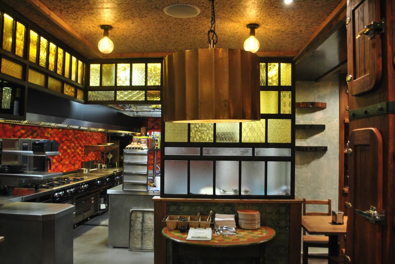 El Ferroviario chigre-espicheru cocina