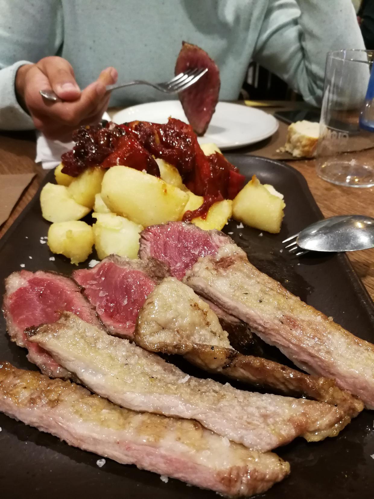 Dos cortes de cerdo ibérico «Joselito» a la parrilla