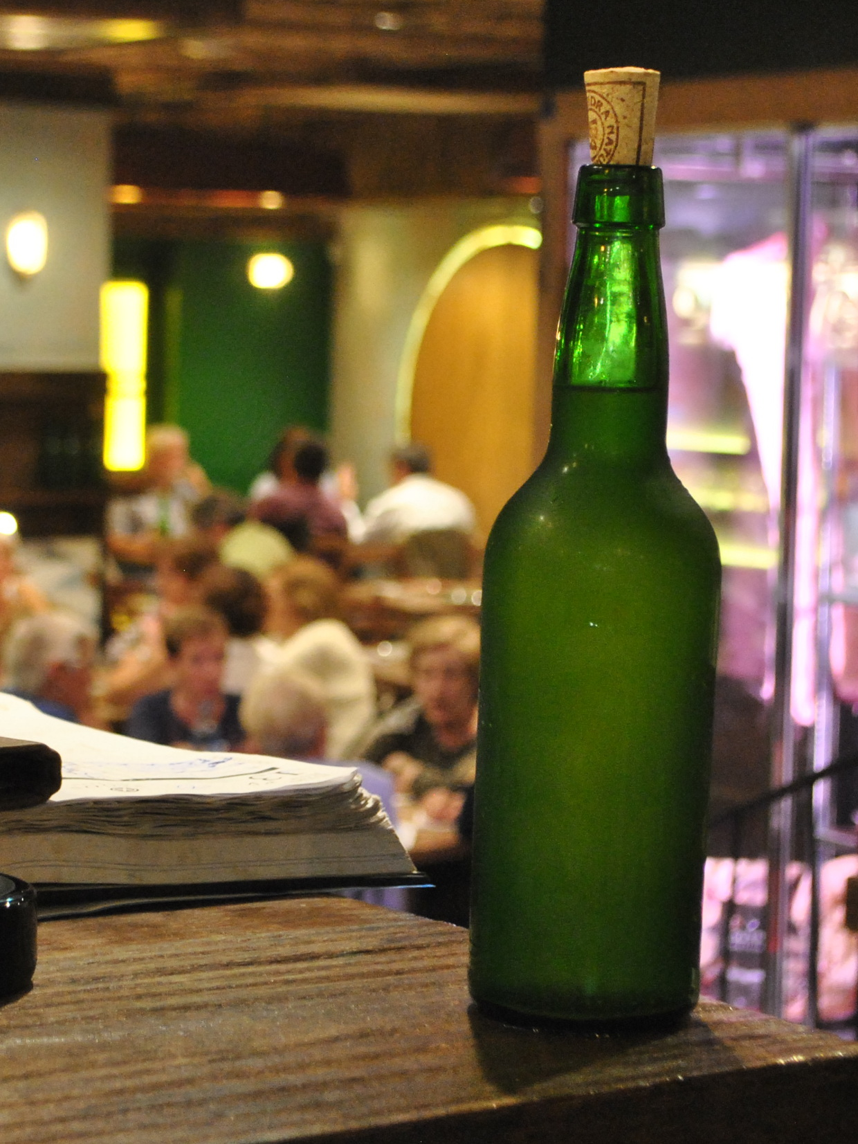 Botella de sidra natural o Arnegui (Rioja crianza)